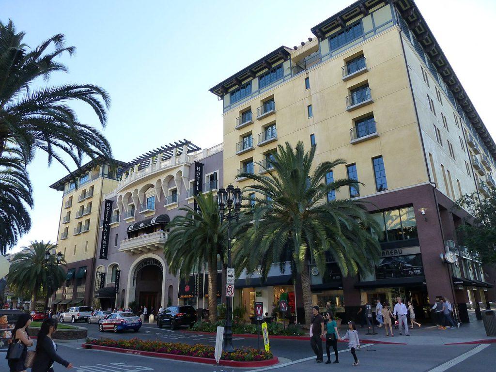 Santana_Row_shopping in San Jose CA