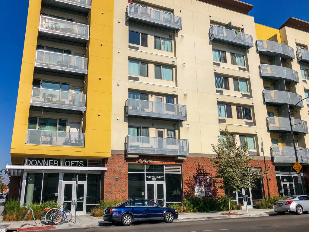 Donner Lofts is located in San Jose, California at 158 East Saint John Street, San Jose, CA 95112. This apartment community was built in 2016 and has 6 stories with 101 units.