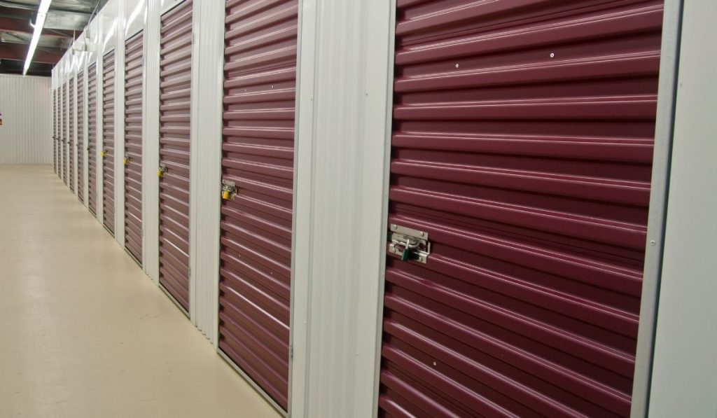 storage unit, for moving out.