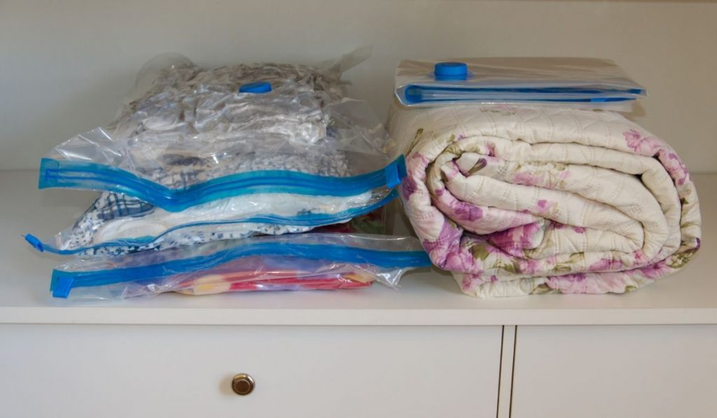 beddings stored in vacuum sealed bags vs. one that is not vacuum sealed